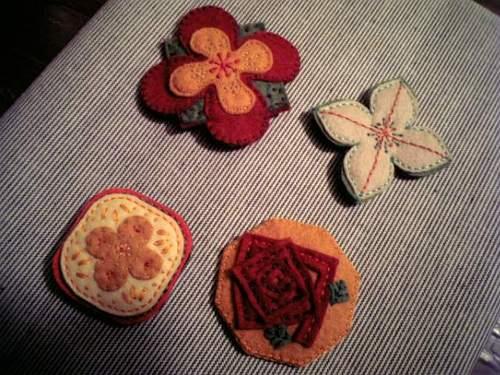 花ブロ-チ